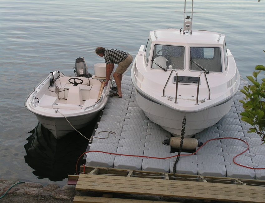 seimi equipements marine ponton de mise hors d 39 eau p. Black Bedroom Furniture Sets. Home Design Ideas